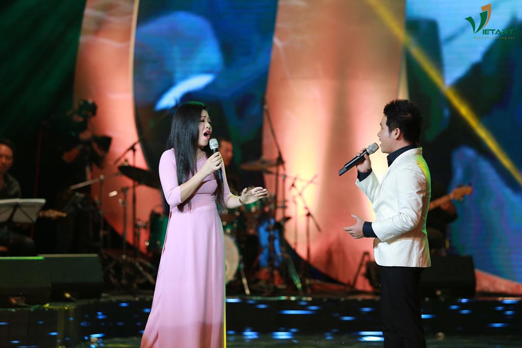 """Ca khúc """"Hành Khúc Ngày Và Đêm"""", sáng tác: Phan Huỳnh Điểu với màn song ca của hai ca sĩ: Trọng Tấn-Anh Thơ"""