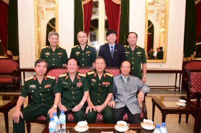 Đón tiếp các lãnh đạo, đại biểu tới tham dự chương trình