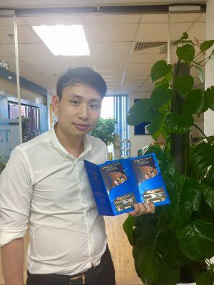 Khán giả hào hứng khi nhận tấm vé Đêm Việt Nam 6
