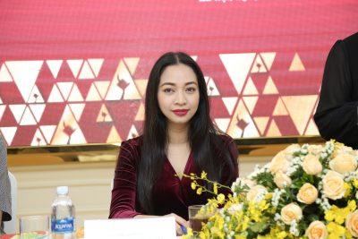 Bà Đoàn Thúy Phương – TGĐ Công ty CP Truyền thông VIETART – Đơn vị thực hiện Lễ trao giải Cánh Diều 2017 cho biết sự kiện trao giải năm nay được tổ chức tại Hà Nội với quy mô hoành tráng, chuyên nghiệp.
