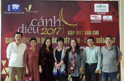 Đại diện Hội Điện Ảnh Việt Nam và Công ty CP Truyền thông VIETART tại buổi Gặp mặt báo chí Giải thưởng Cánh Diều 2017.